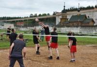Сплотили мяч и сетка – за решёткой