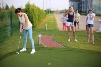 В Калуге прошел первый женский турнир по мини-гольфу